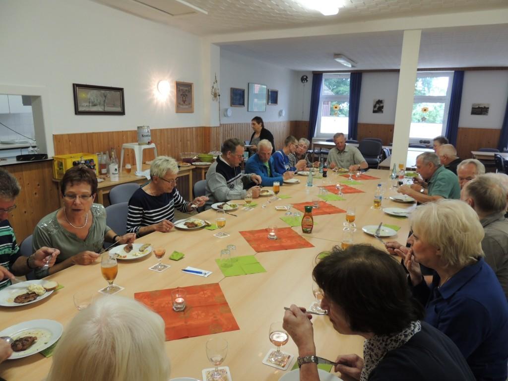 2015-08-27-moijmoakers-grillen-mit-frauen (2)